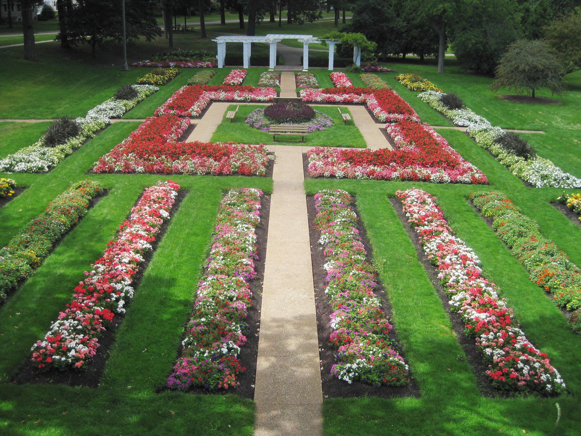 Warren Tyler Memorial Flower Garden At Lincoln Park