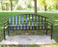 McConnell memorial bench style